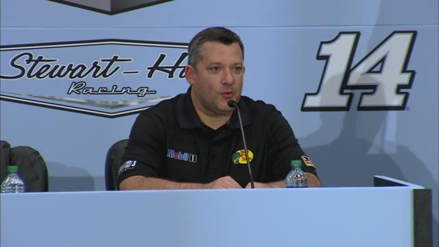 Tony Stewart announces retirement